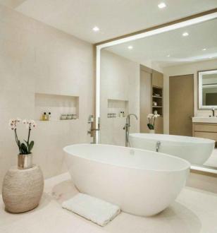 Зеркальный фасад в ванной